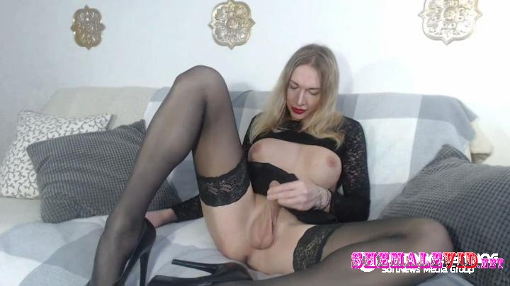Eva Lynx-Manyvids-Masturbation and Cum in Black Lingerie