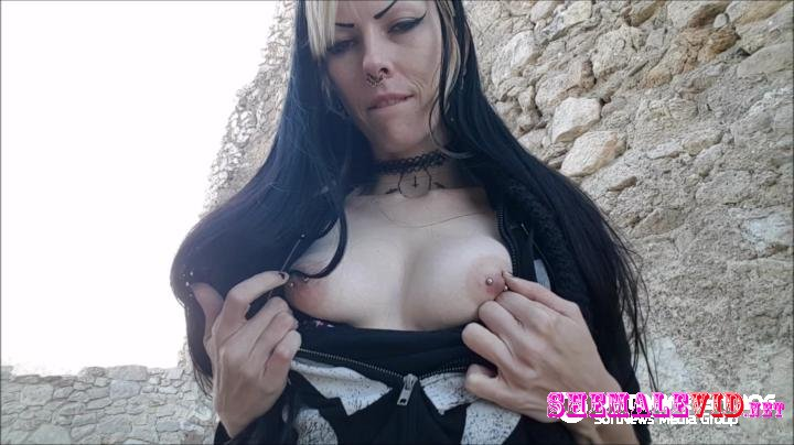 Sarina Havok-Manyvids-Offerings for elizabeth bathory quickie