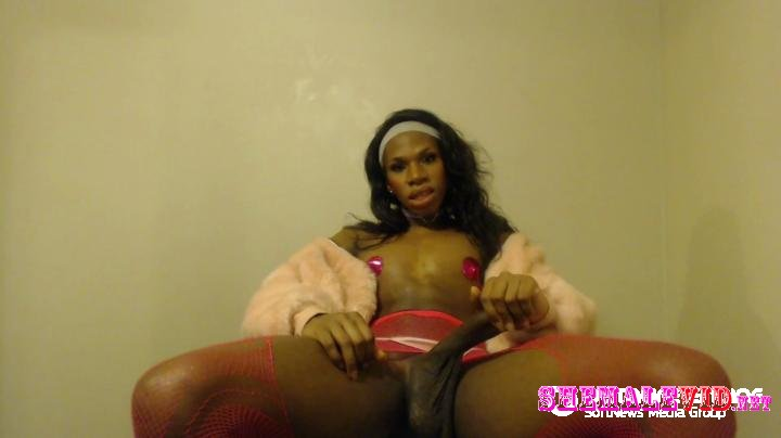 Amy Jeauxj-Manyvids-Pervy in pink