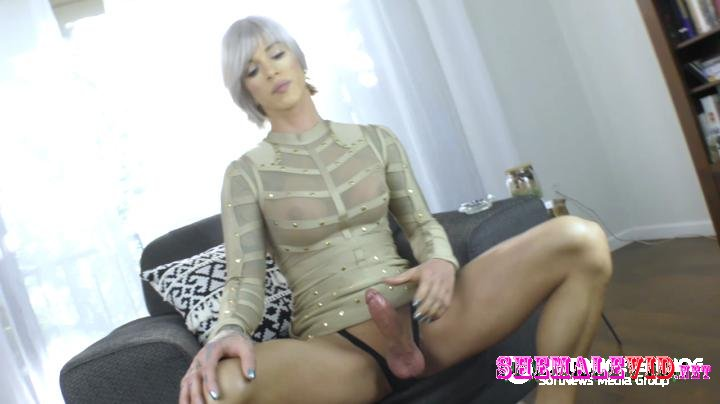 TS Nina Lawless-Smoking boss bitch hd