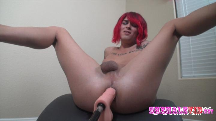 TSAubrieScarlettt-Manyvids-Aubries new toy p