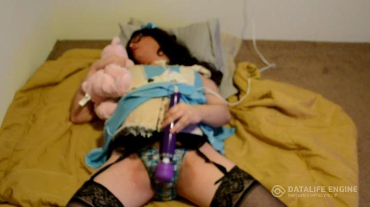 FairytailGurl-Manyvids-Alice and the magic wand
