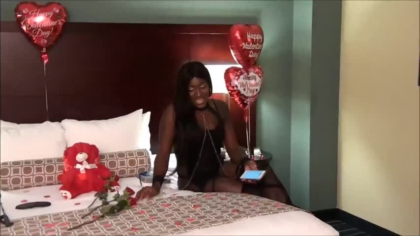 Shemale Chocolate-Manyvids-Shemale Chocolate Surprise 2girl show-Transgender, Ass Fetish, Big Tits
