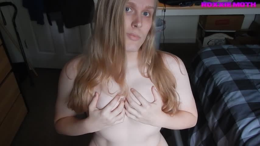 Roxxie Moth-Manyvids-Blonde Hair and Boob Slapping-Big Boobs, Blonde, Nipple Play