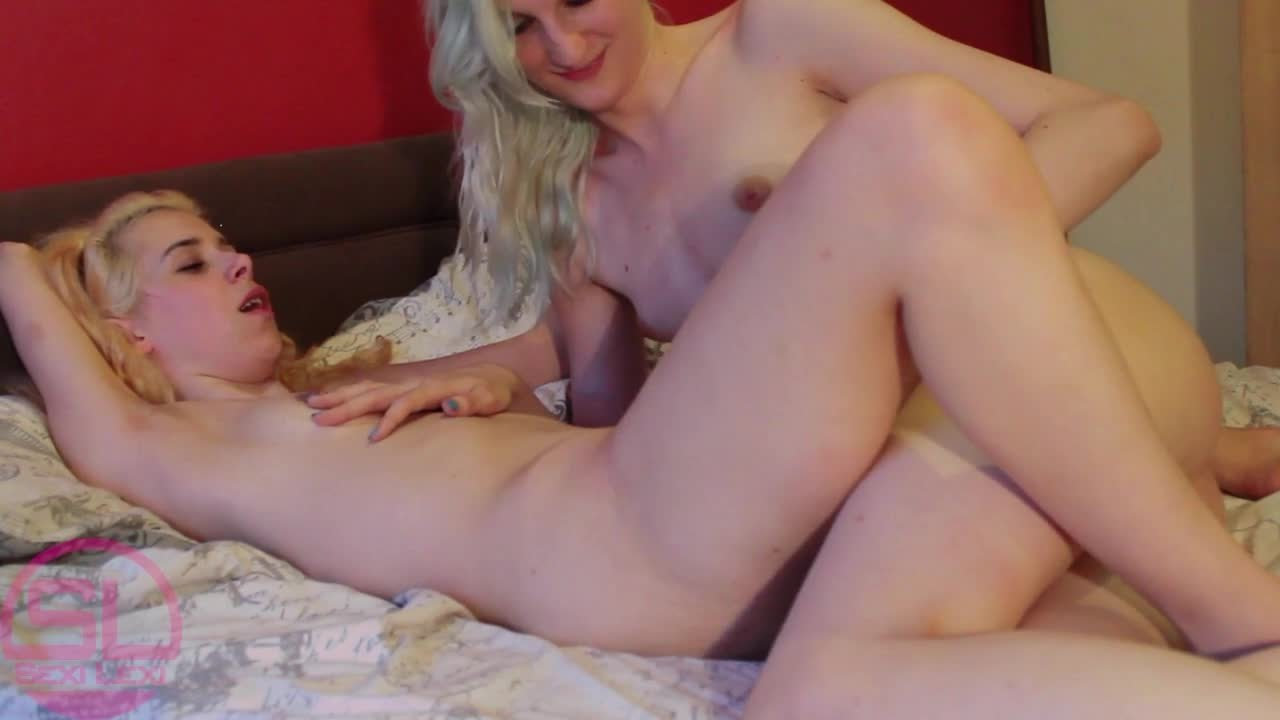 SexiLexiTrap-Manyvids-Lexi Fucks Kitty-Lesbians, Nudity Naked, Transgender