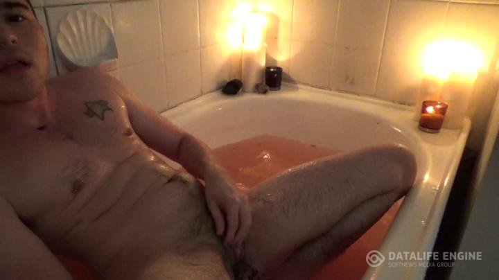 AidanPage-manyvids-bath time fun