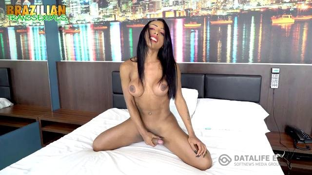 Brazilian-Transsexuals-TS Adrielly Bronze returning in new solo