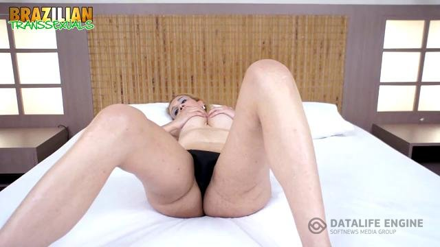 Brazilian-Transsexuals-Horny Danielly Marineto Jacks Off